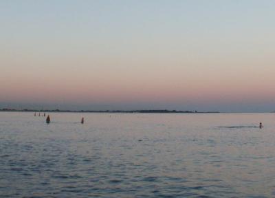 ヴェネツィアで海水浴できる?