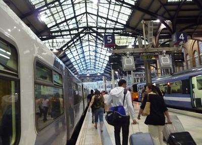ロンドン・スタンステッド空港の直行列車が発着するリバプールストリート駅