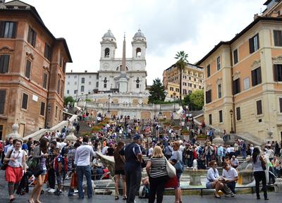 「ローマの休日」で有名なスペイン広場