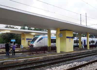 イタリア中東部にあるペーザロ駅