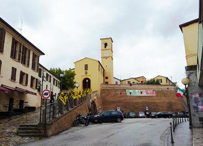 ウルビーノに近い小さな町 タブッリア