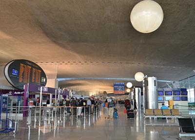 パリ・シャルルドゴール空港のターミナル2F
