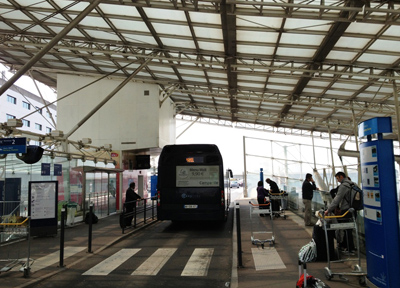 パリ・シャルル・ド・ゴール空港のホテル巡回バス乗り場