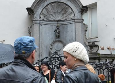 ブリュッセルのシンボル的存在「小便小僧」