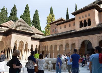 アルハンブラ宮殿 メインの「ナスル朝宮殿」は見逃せない