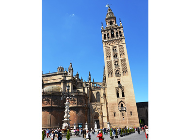 セビーリャ大聖堂とヒラルダの塔