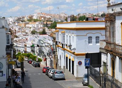 アルコス・デ・ラ・フロンテーラの旧市街(手前)と新市街(奥)