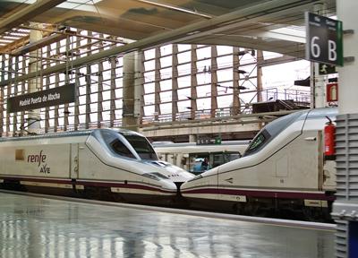 スペインの高速列車「AVE」
