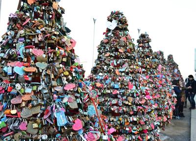 Nソウルタワーは愛の聖地に