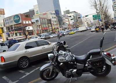 大きなバイクも駐車中