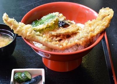 松島の名物グルメ「穴子丼」