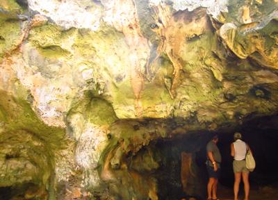 アルバ島 鍾乳洞窟