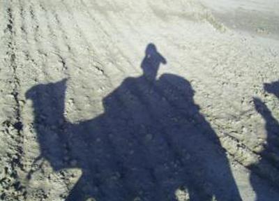 ラクダに乗って砂漠の散歩