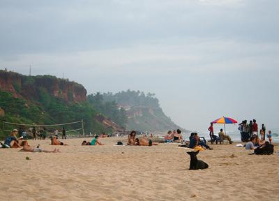 オン・ザ・ビーチの遺跡があるビーチ、聖地として沐浴スポットとなっているビーチ