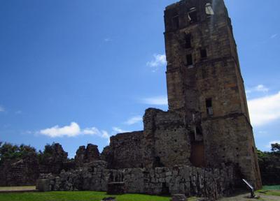 33メートルもの高さがある大聖堂の鐘楼