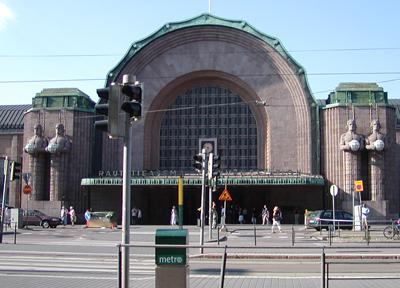 トラムの起点となるヘルシンキ駅前